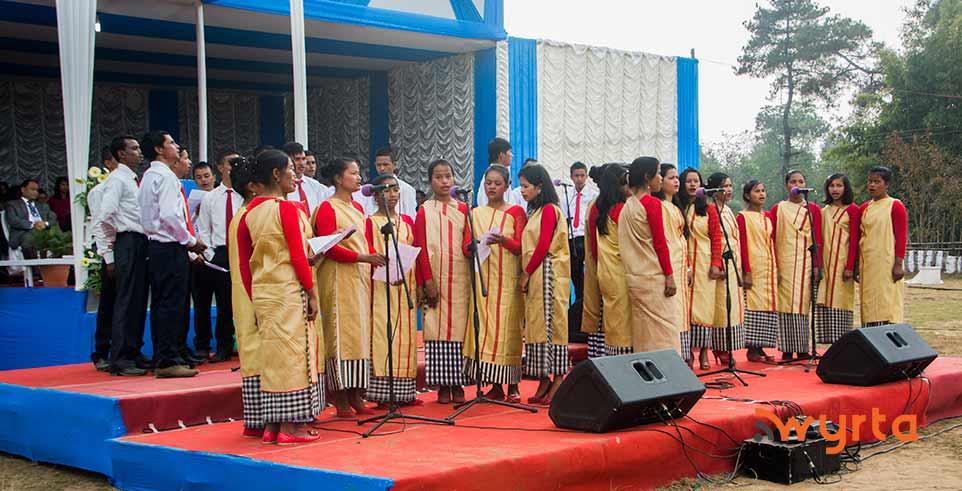 assembly-choir3